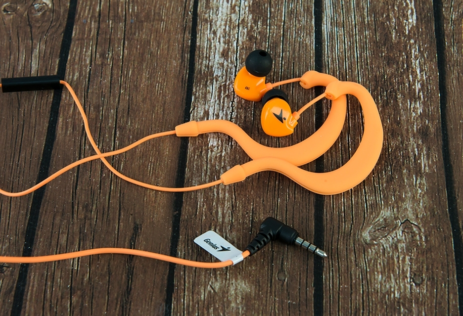 Genius HS-M270 – дешевые наушники для активных пользователей