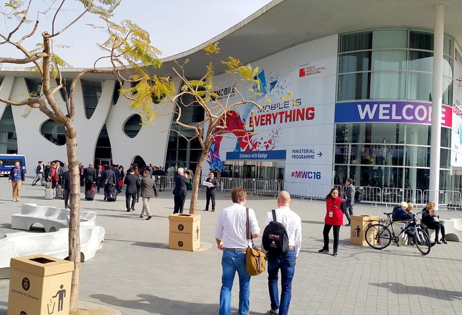 Фото с выставки MWC 2016: новые флагманы, виртуальная реальность, технологии