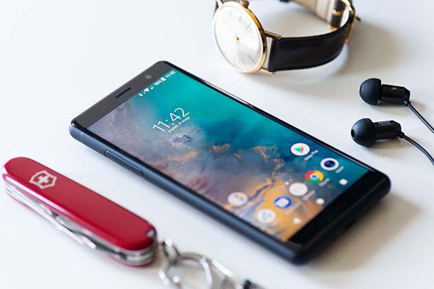 Sony Xperia XZ2 Compact обзор полуфлагмана